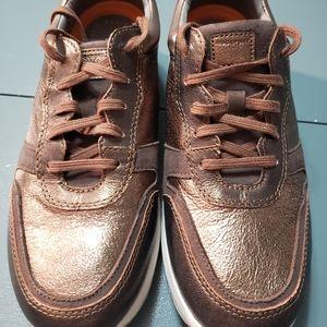 Women's Rockport walking shoe/sneaker. Size 9 1/2,